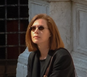 Jennifer-4-outside-Santa-Maria-dei-Miracoli-Venice-profile-pic (3)