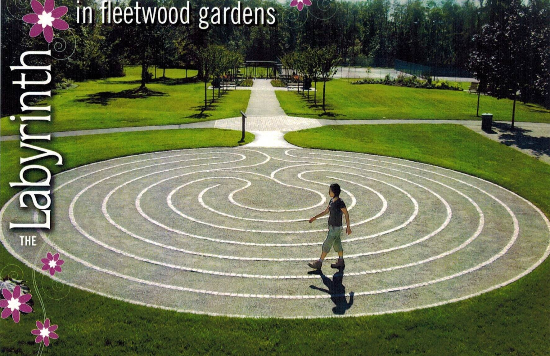 C1535b labyrinth walking to heal the soul self discovery radio fleetwood labyrinth post card buycottarizona Image collections